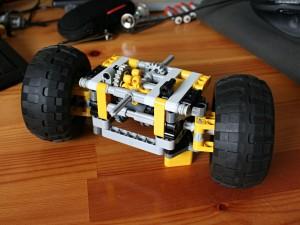 Pendular module with steering